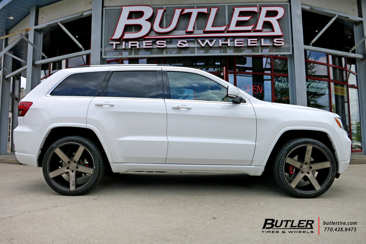 Jeep Grand Cherokee with 22in Niche Milan Wheels