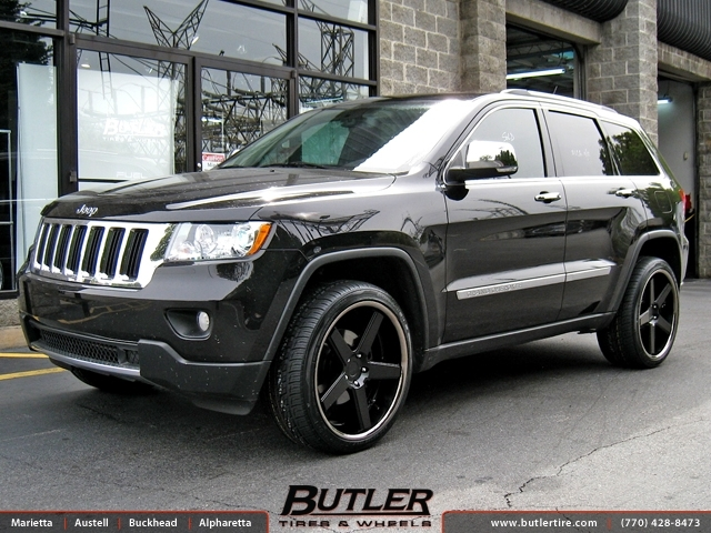 Jeep Grand Cherokee with 22in Niche Nurburg Wheels