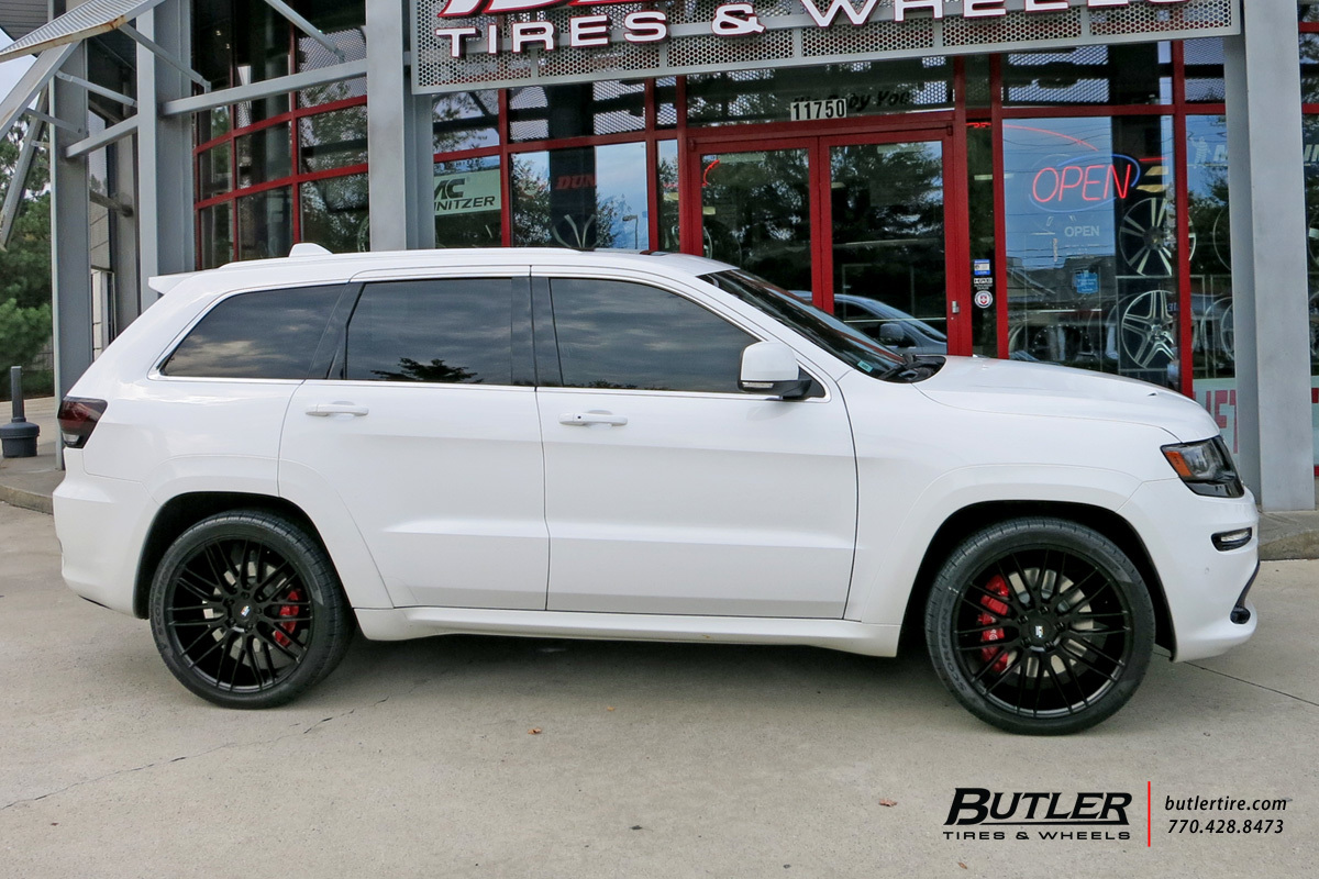 Jeep Grand Cherokee with 22in Savini BM13 Wheels