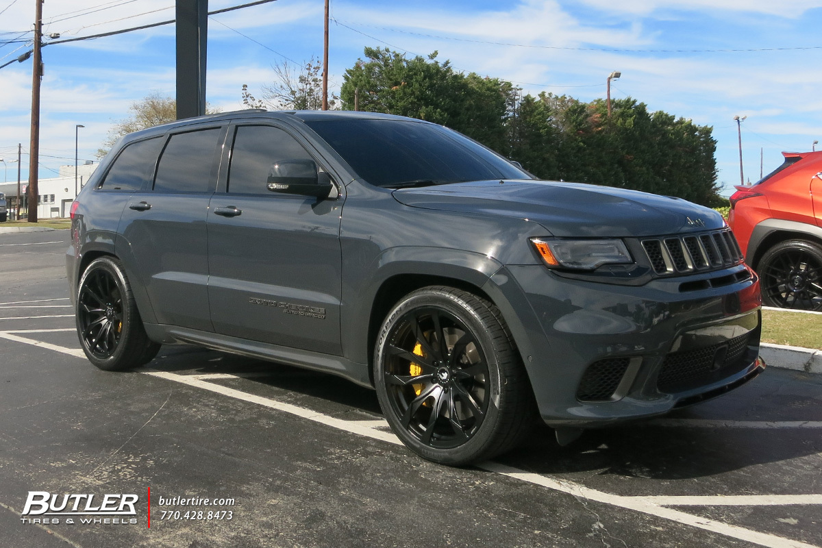 Jeep Grand Cherokee SRT-8 with 22in Forgiato F2.18 Wheels