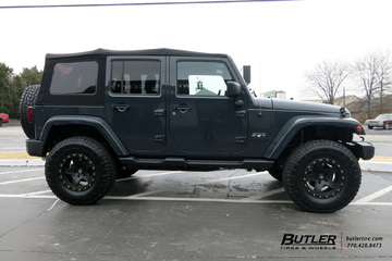 Jeep Wrangler with 17in ATX 194 Wheels