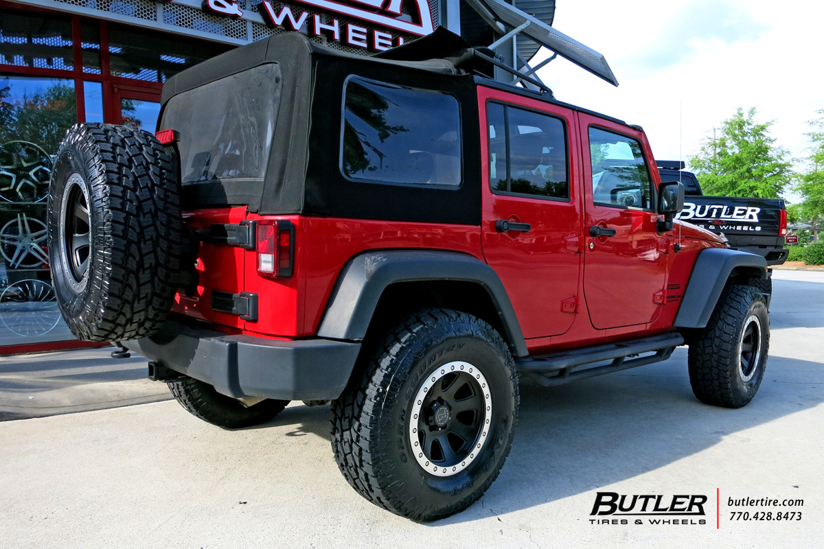 Jeep Wrangler with 17in Black Rhino 500 Wheels