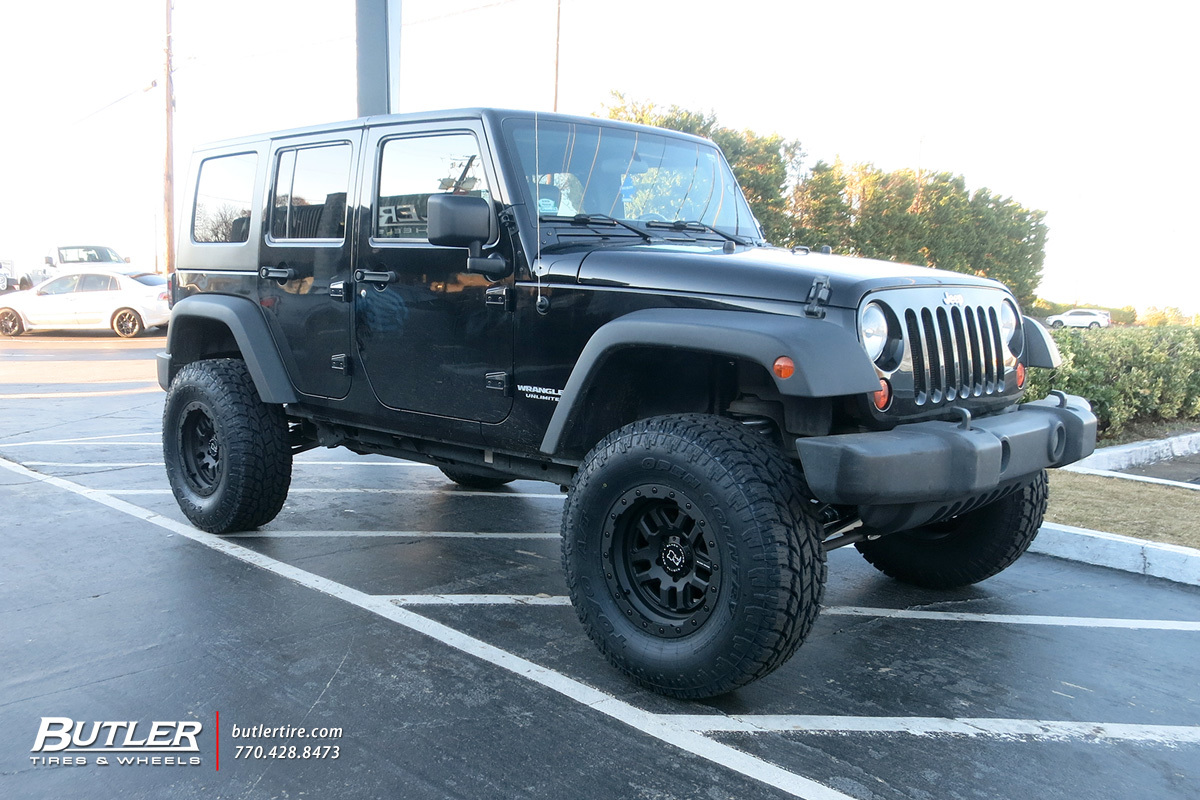 Jeep Wrangler with 17in Black Rhino Barstow Wheels