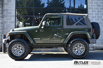 Jeep Wrangler Rhino >> Jeep Wrangler with 17in Black Rhino York Wheels ...