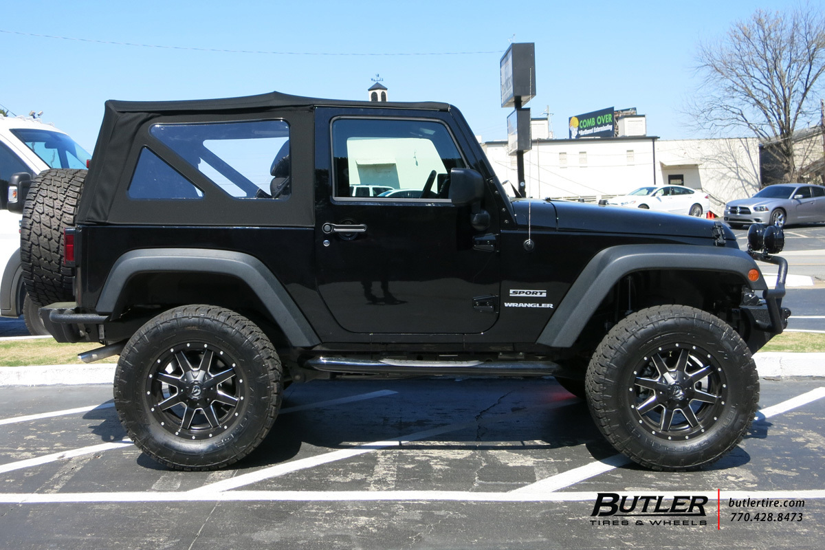 Jeep Wrangler with 17in Fuel Maverick Wheels