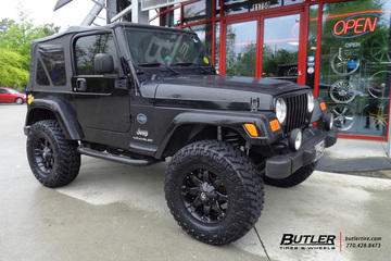 Jeep Wrangler with 17in Fuel Octane Wheels