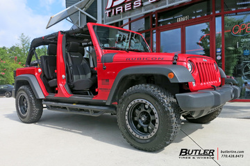 Jeep Wrangler with 17in Fuel Trophy Wheels