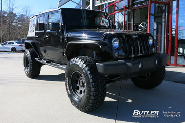 Jeep Wrangler with 17in Pro Comp 1069 Wheels
