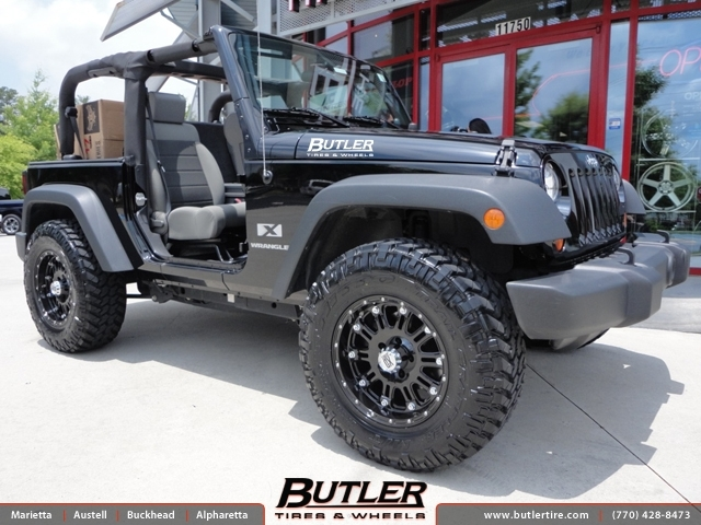Jeep Wrangler with 17in XD Hoss Wheels exclusively from Butler Tires