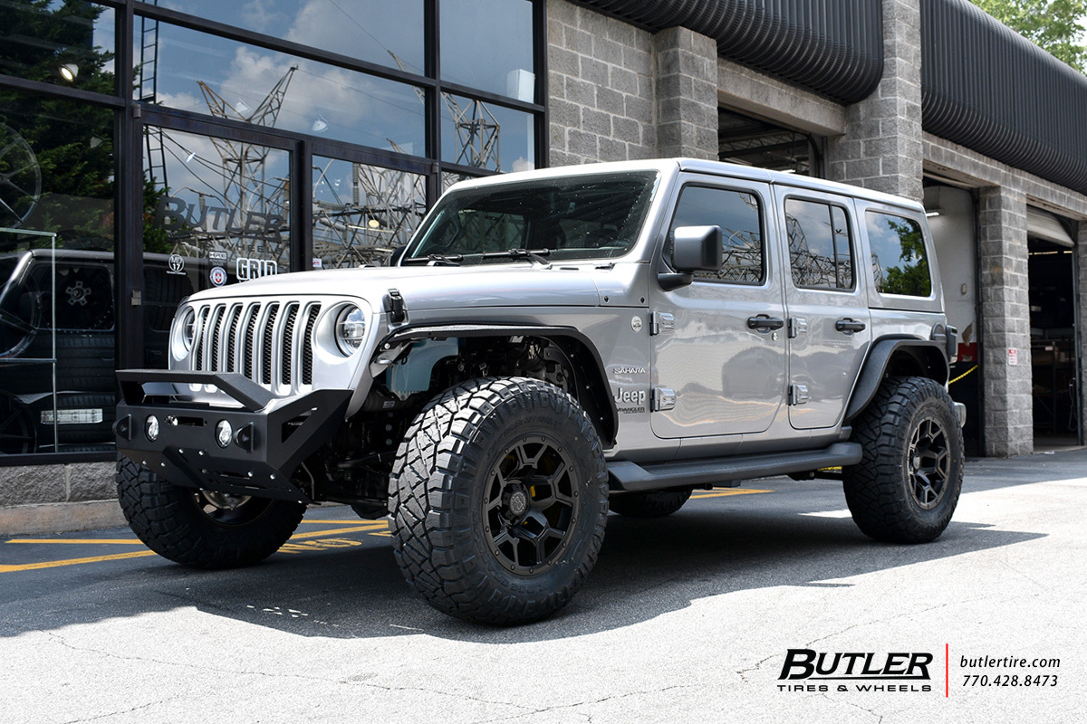 Jeep Wrangler with 18in Black Rhino Overland Wheels