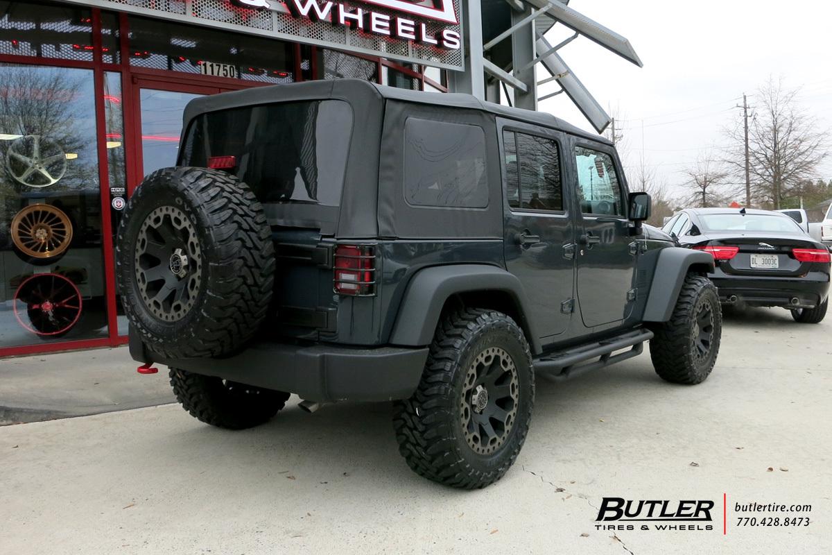 Jeep Wrangler with 18in Black Rhino Warlord Wheels ...