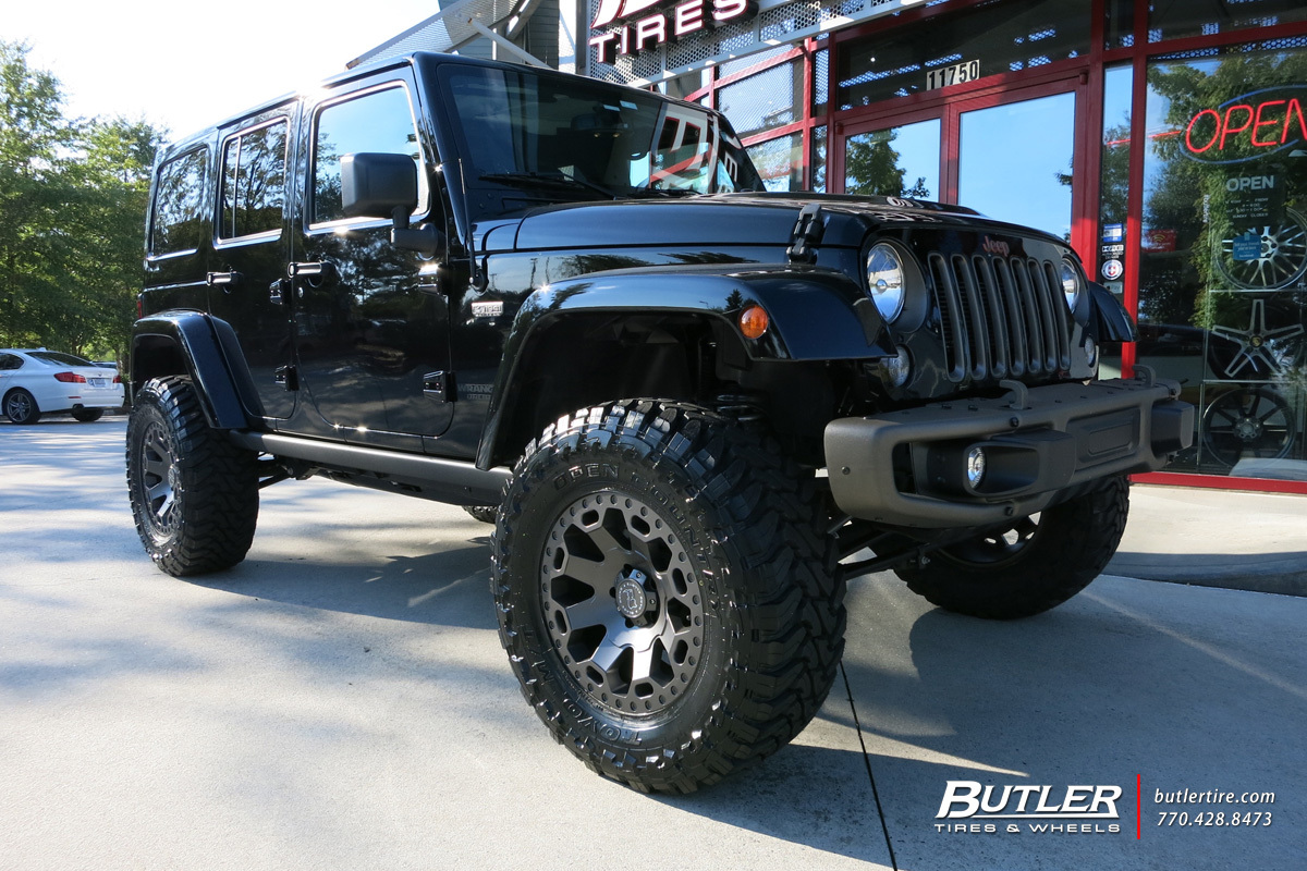 Jeep Wrangler with 18in Black Rhino Warlord Wheels