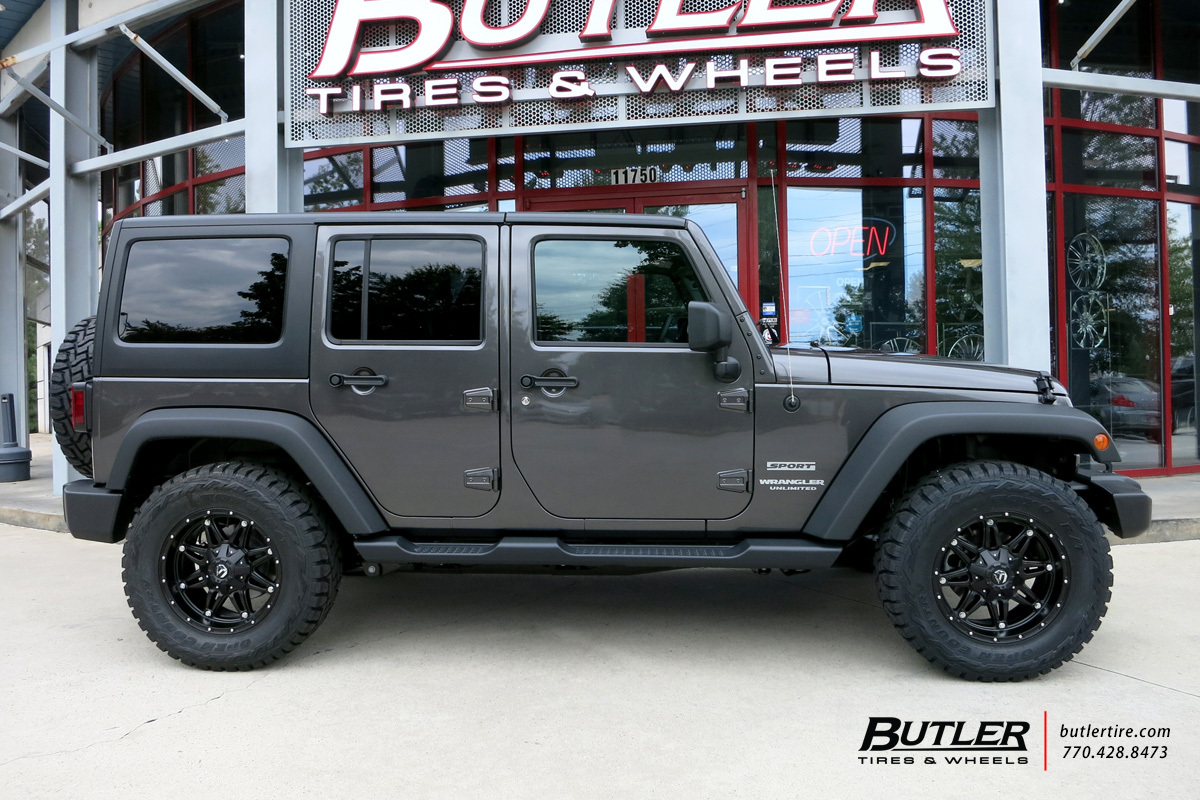Jeep Wrangler with 18in Fuel Hostage Wheels