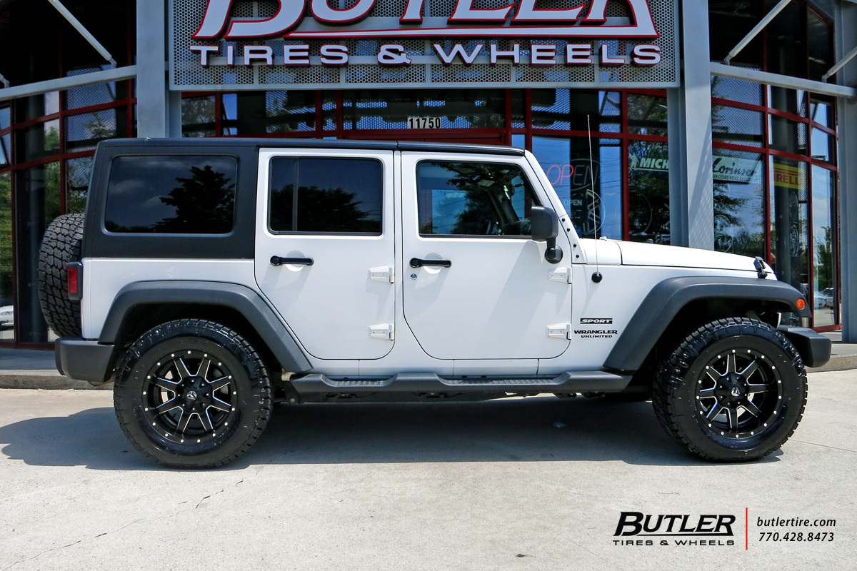 Jeep Wrangler with 18in Fuel Maverick Wheels