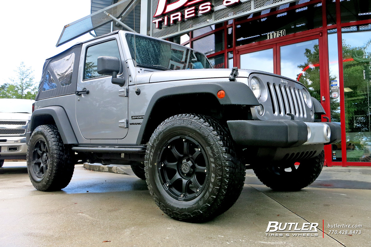 Jeep Wrangler with 18in Fuel Octane Wheels