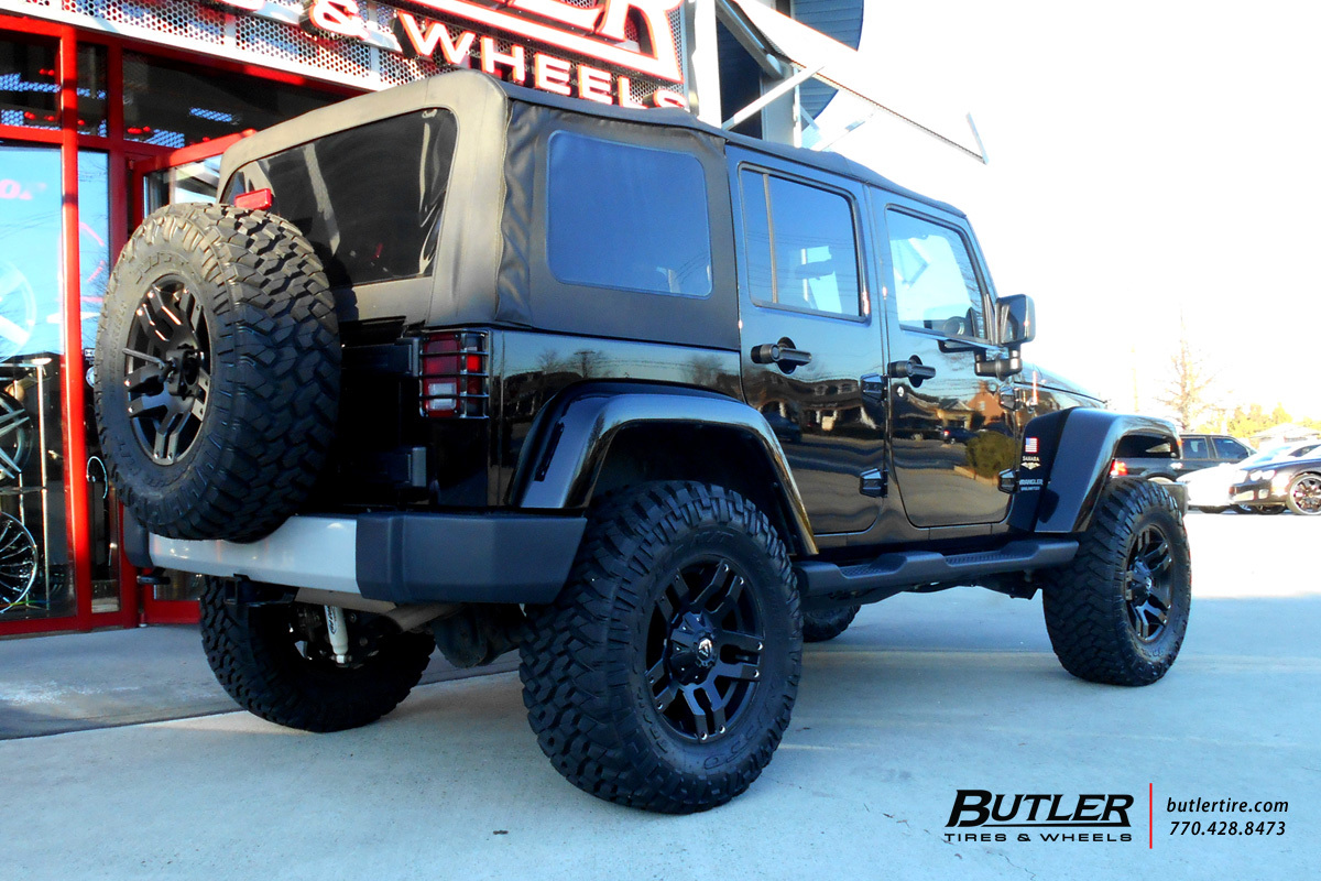 Jeep Wrangler with 18in Fuel Pump Wheels