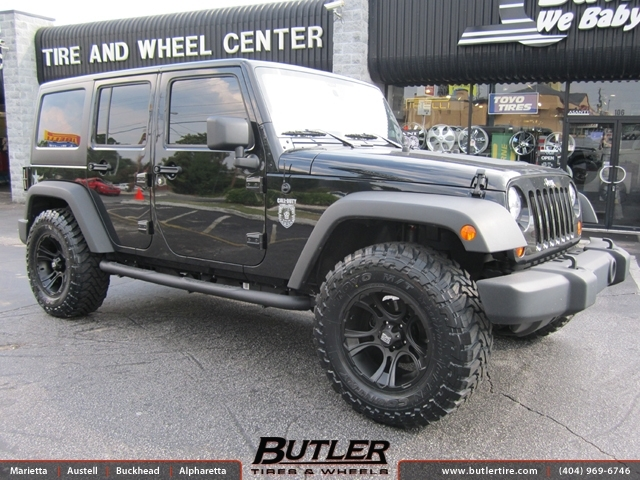 Jeep Wrangler with 18in XD Crank Wheels