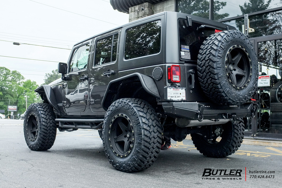 Jeep Wrangler with 20in ATX Ravine Wheels