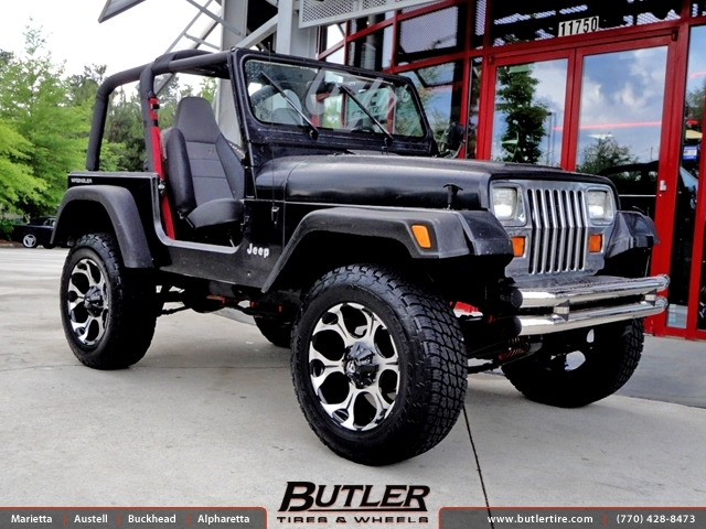 Jeep Wrangler with 20in Fuel Dune Wheels