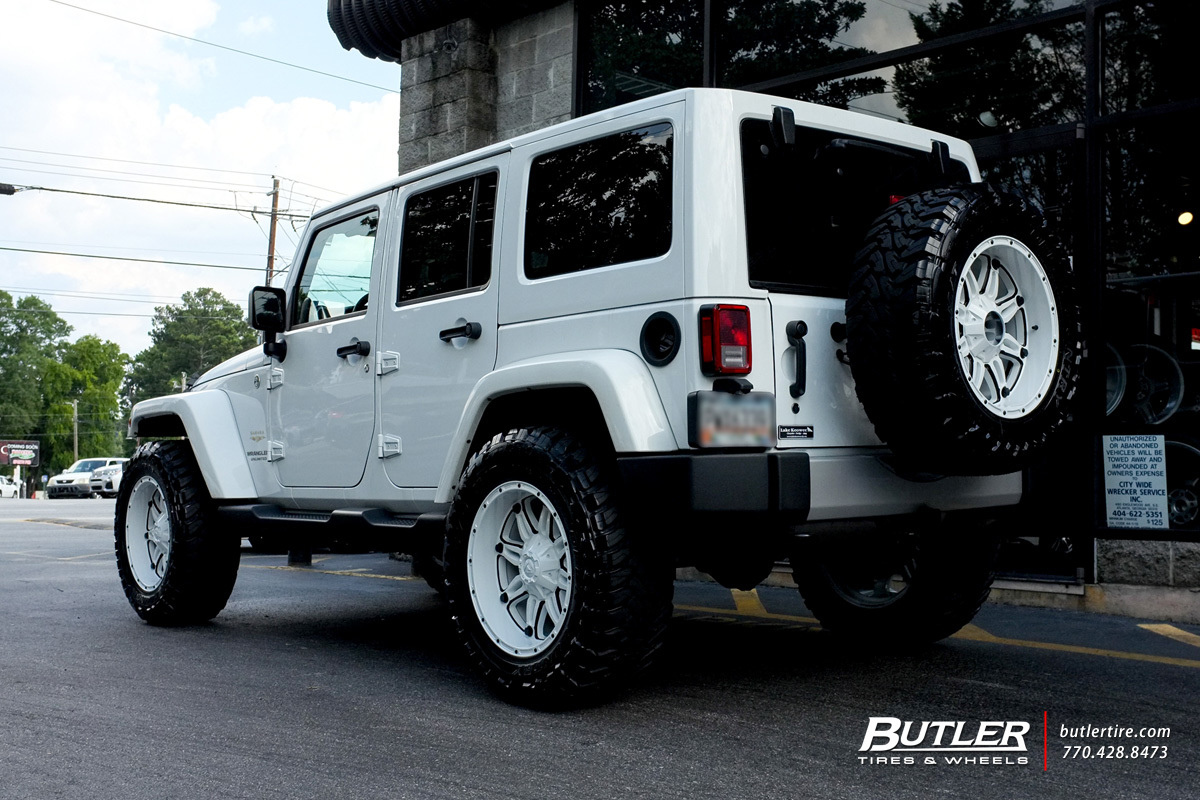 Jeep Wrangler with 20in Fuel Hostage Wheels