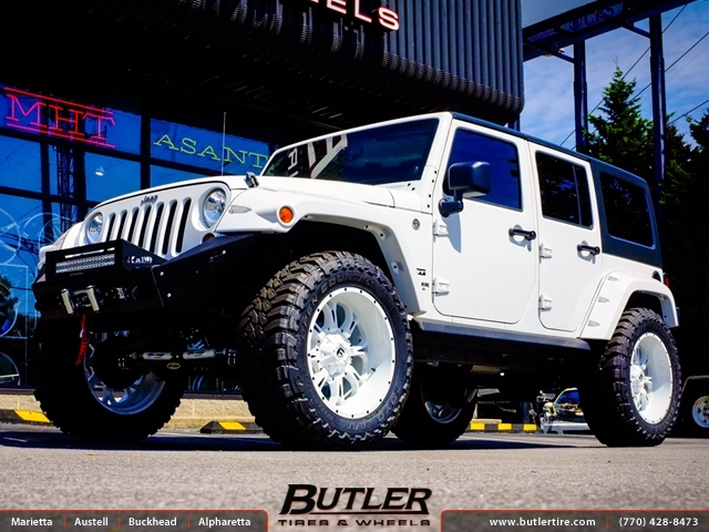 Jeep Wrangler With 22in Fuel Krank Wheels Exclusively From