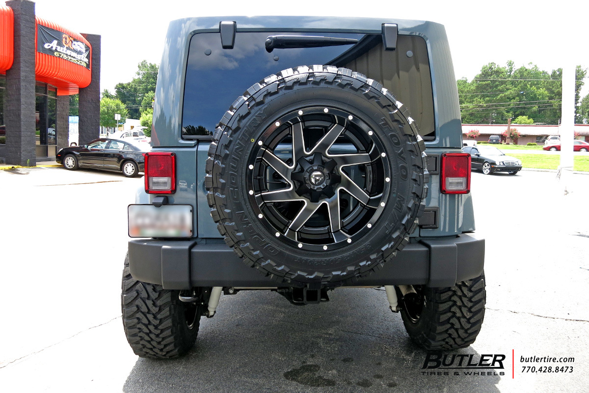 Jeep Wrangler with 22in Fuel Renegade Wheels