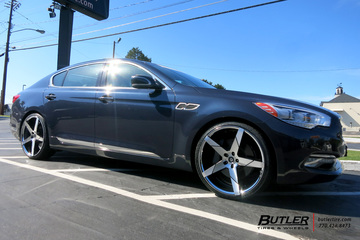 Kia K900 with 22in Lexani Invictus Wheels