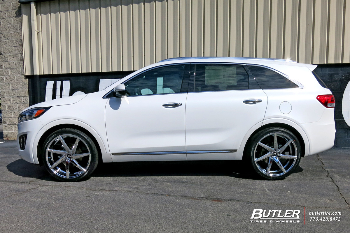 Kia Sorento with 22in Lexani CSS7 Wheels