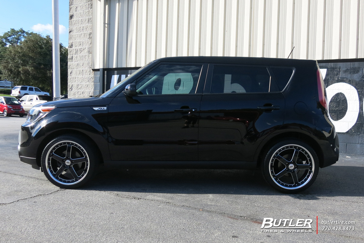 Kia Soul With 19in Tsw Carthage Wheels