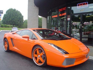 Lamborghini Gallardo with 20in AVUS A5 Wheels