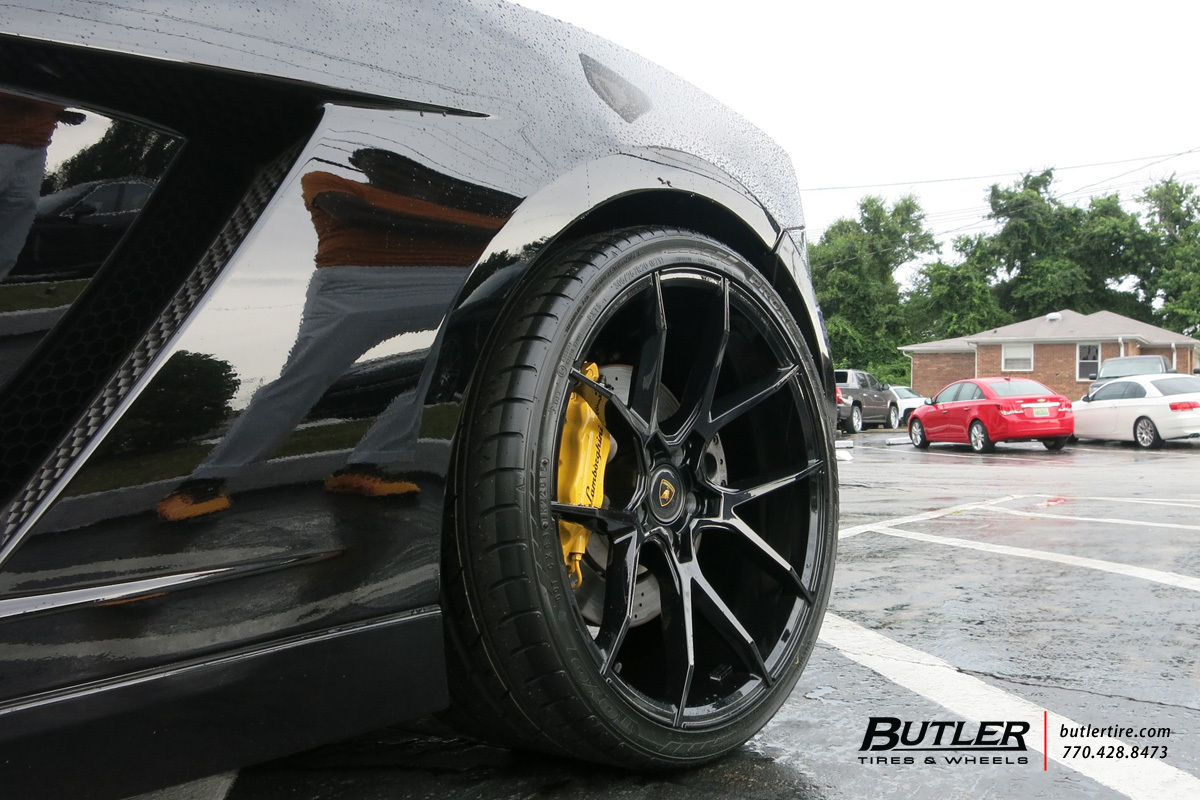 Lamborghini Gallardo with 20in Savini BM14 Wheels