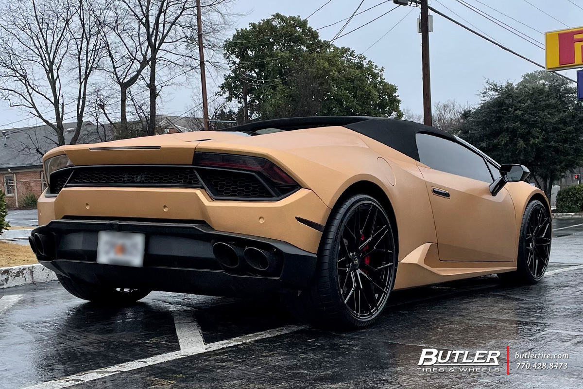 Lamborghini Huracan with 21in Avant Garde M520R Wheels