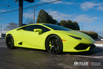 Lamborghini Huracan with 21in Lexani LZ-118 Wheels