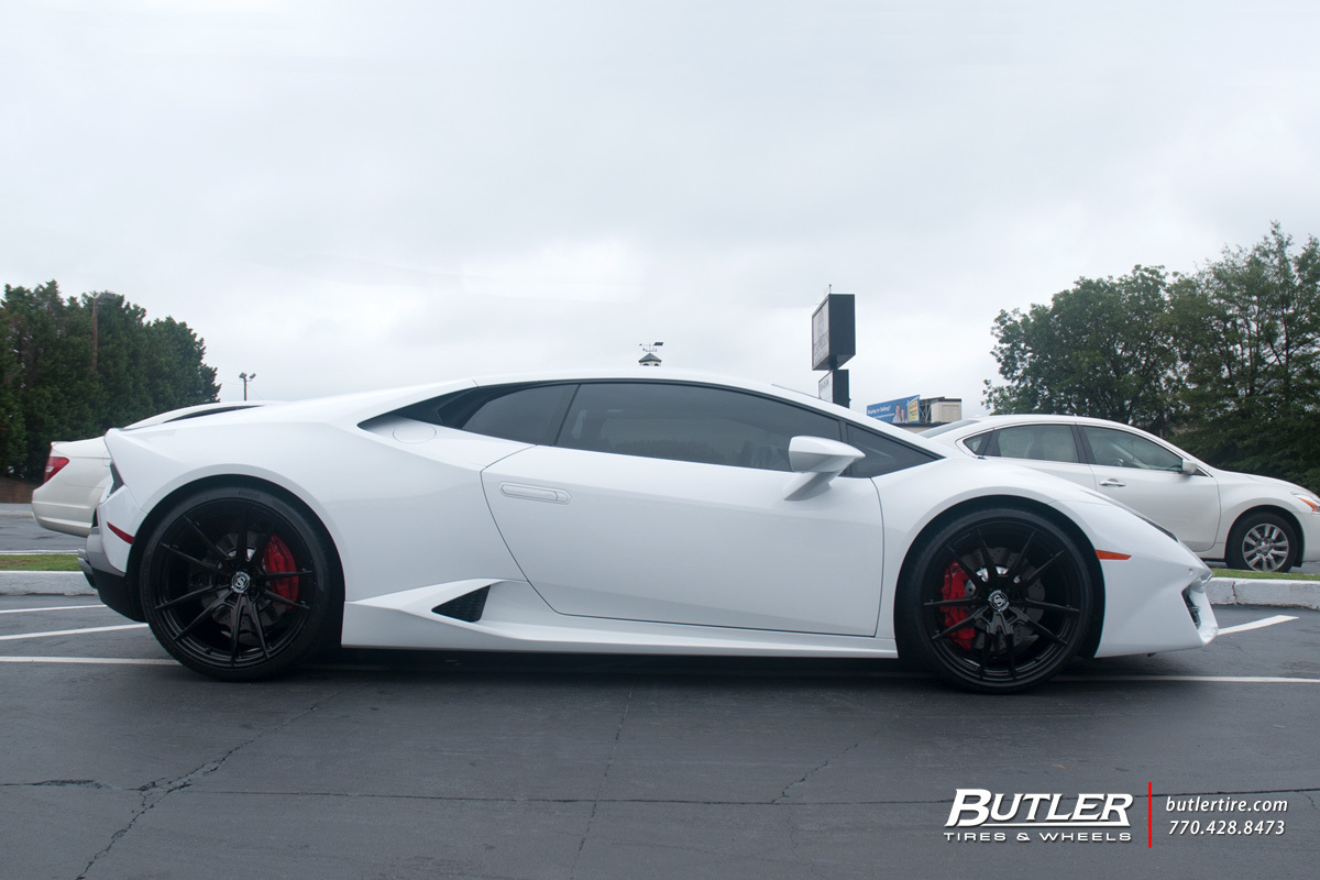 Lamborghini Huracan with 21in Strasse SV1 Wheels