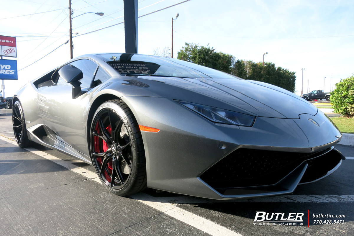 Lamborghini Huracan with 21in Vorsteiner V-FF 103 Wheels