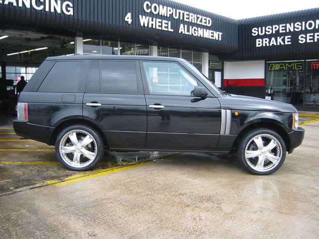 Land Rover Range Rover  with 22in Antera 345 Wheels
