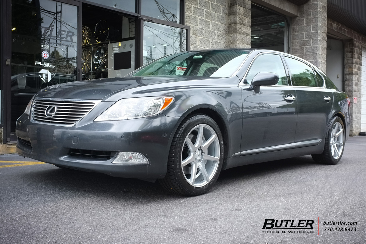 Lexus LS with 19in Savini BM10 Wheels
