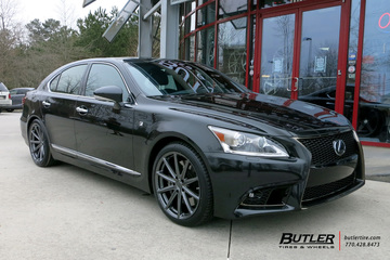 Lexus LS460 with 20in Vossen VFS10 Wheels