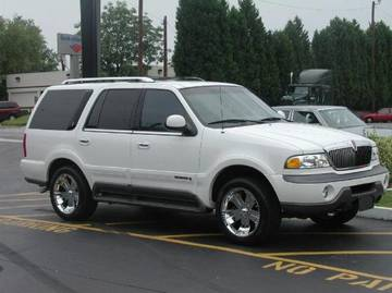Lincoln Navigator with 22in Kaotic Scorch Wheels