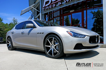 Maserati Ghibli with 20in Savini BM10 Wheels