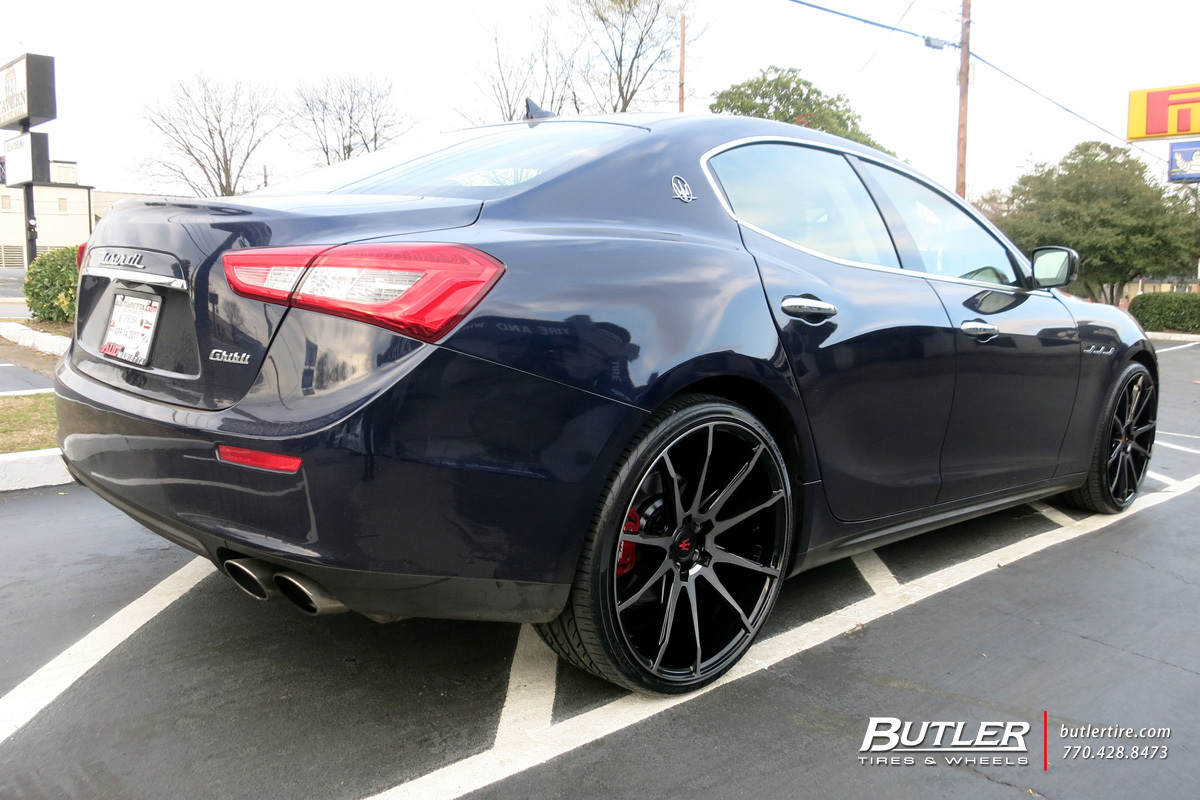 Maserati Ghibli with 22in Savini BM12 Wheels