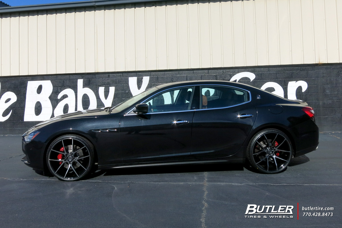 Maserati Ghibli with 22in Savini BM14 Wheels