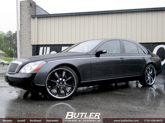 Maybach 57S with 24in Savini BM5 Wheels