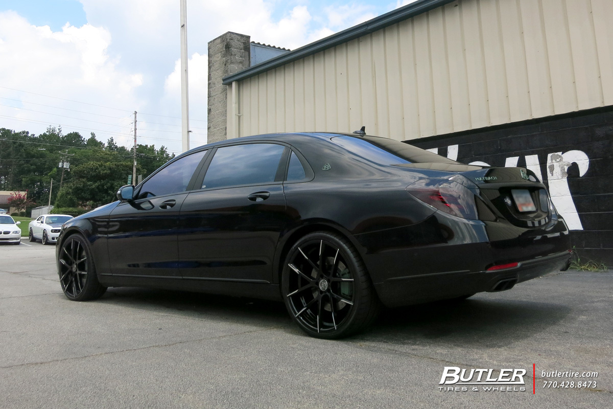 Maybach S600 with 22in Lexani Stuttgart Wheels