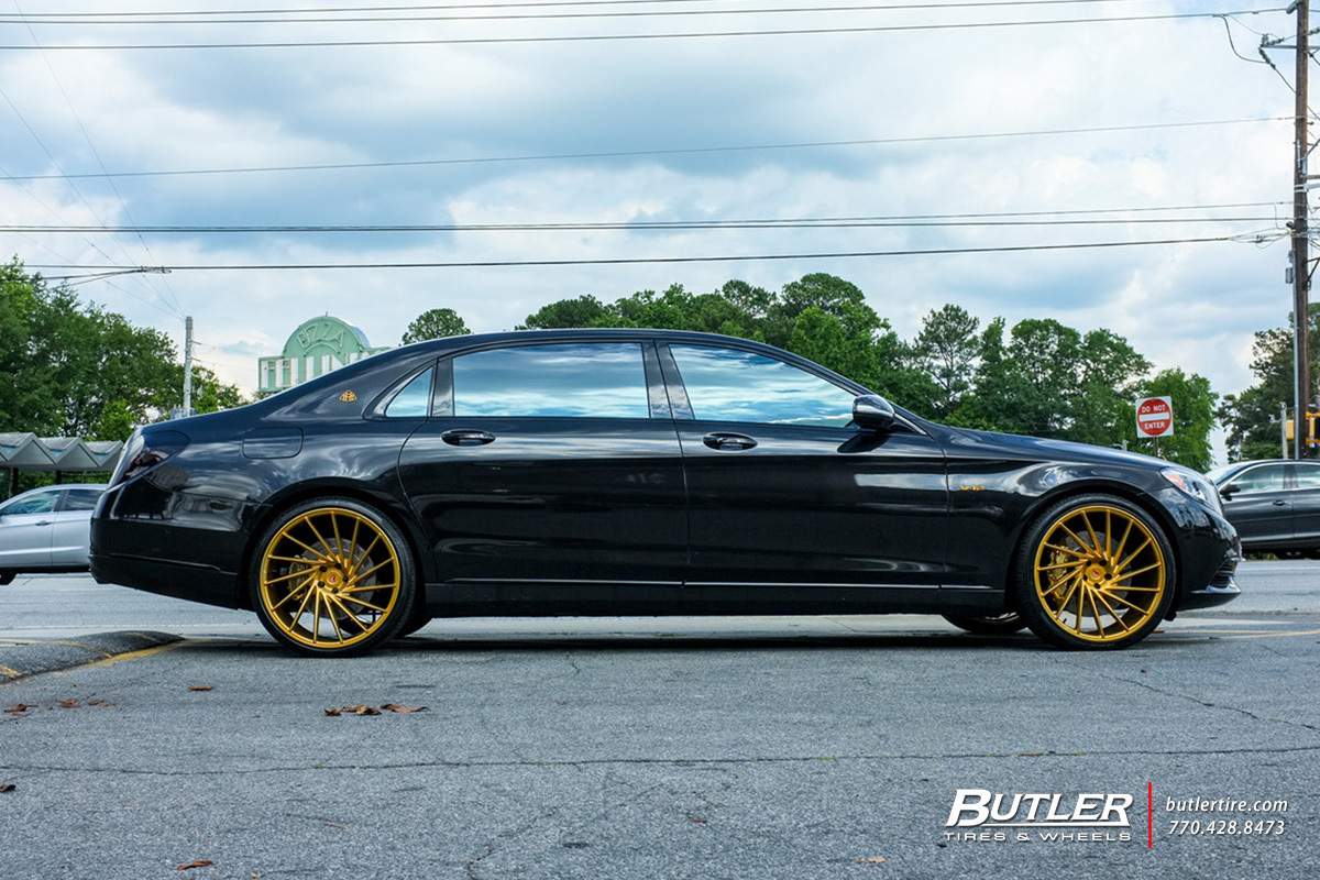 Maybach S600 with 22in Vossen VPS-305T Wheels