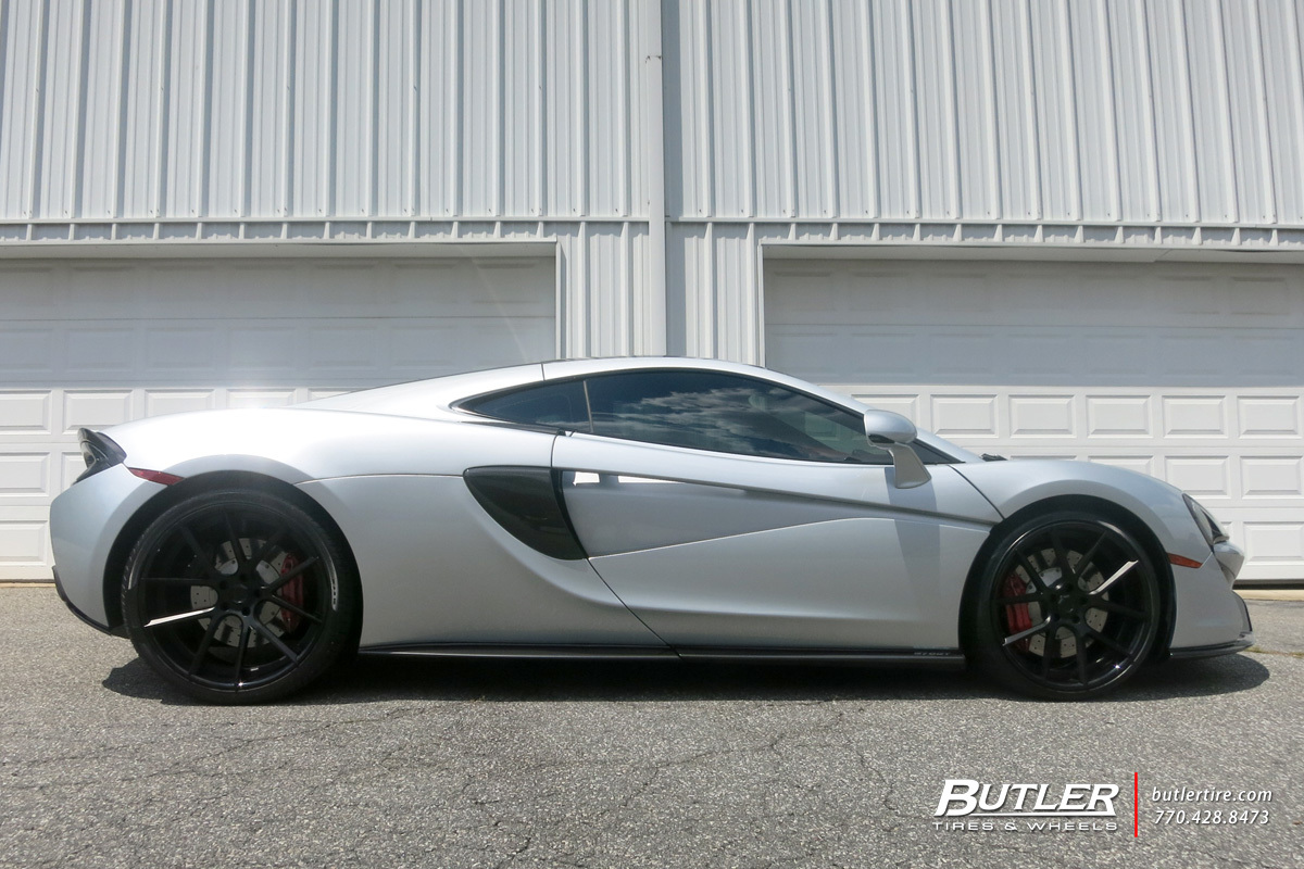McLaren 570GT with 21in Lexani LZ-118 Wheels