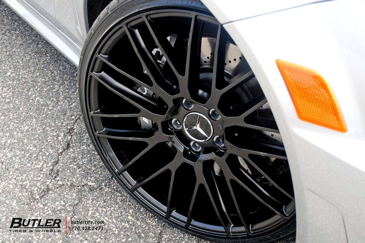 Mercedes C-Class with 20in Savini BM13 Wheels exclusively ...