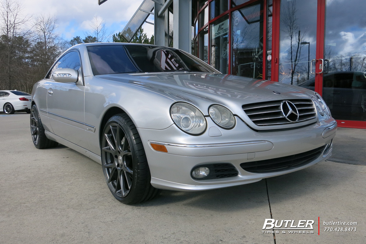 Mercedes CL-Class with 20in Vossen VFS6 Wheels