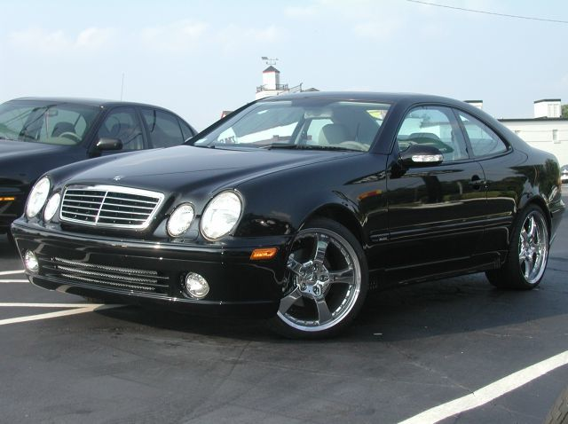 Mercedes CLK with 19in Lorinser LM5 Wheels