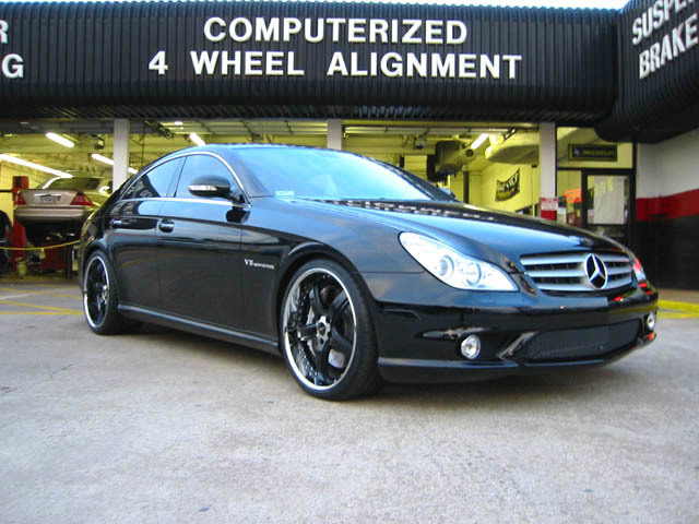 Mercedes CLS with 20in Maya DLS Wheels